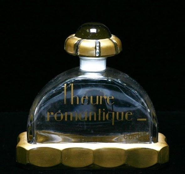 Самые красивые флаконы парфюма. Изображение №2.