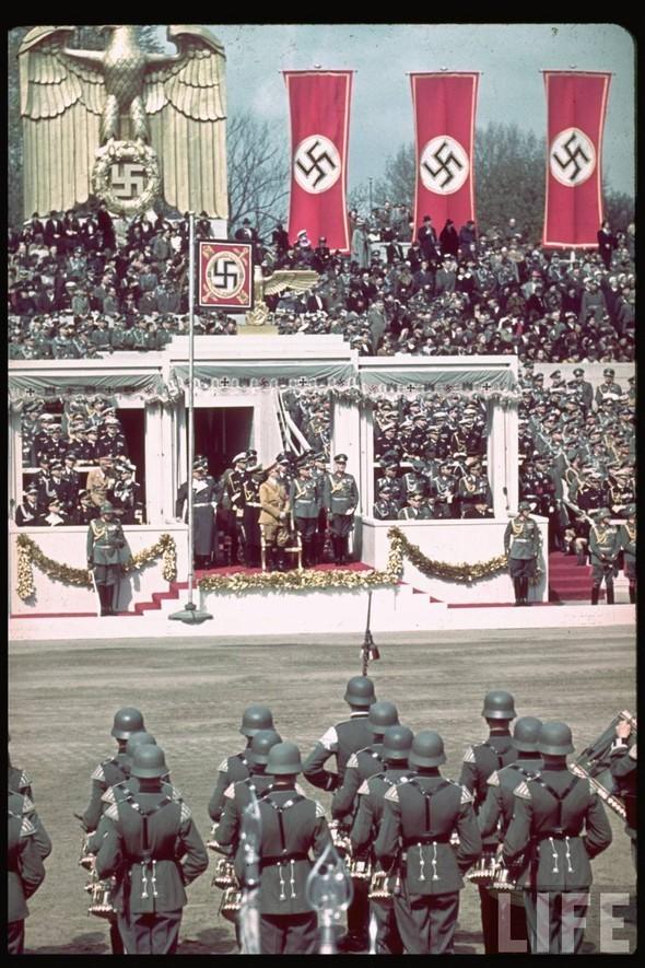 100 цветных фотографий третьего рейха. Изображение №63.