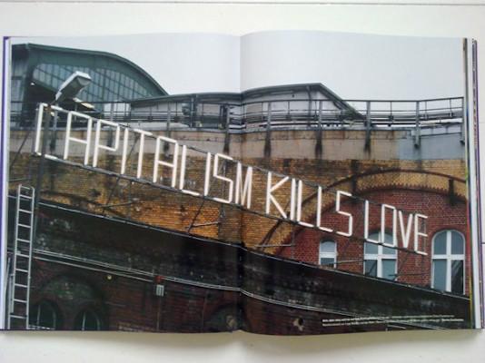 10 альбомов о современном Берлине: Бунт молодежи, панки и знаменитости. Изображение №124.