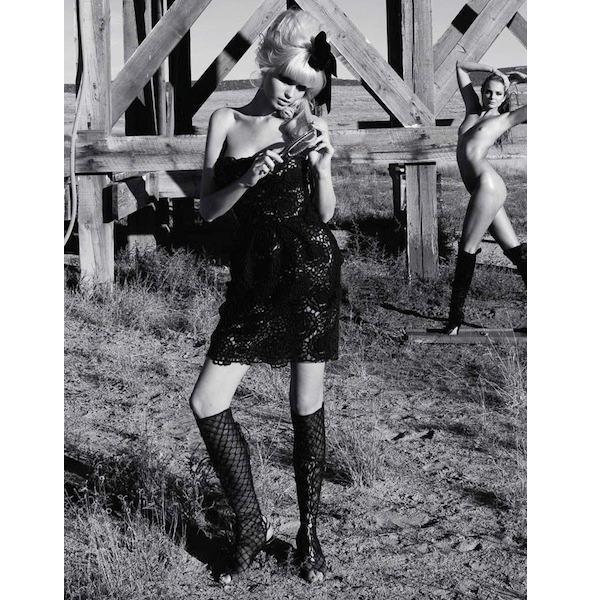 Гид по новому номеру французского Vogue под редакцией Тома Форда. Изображение № 14.