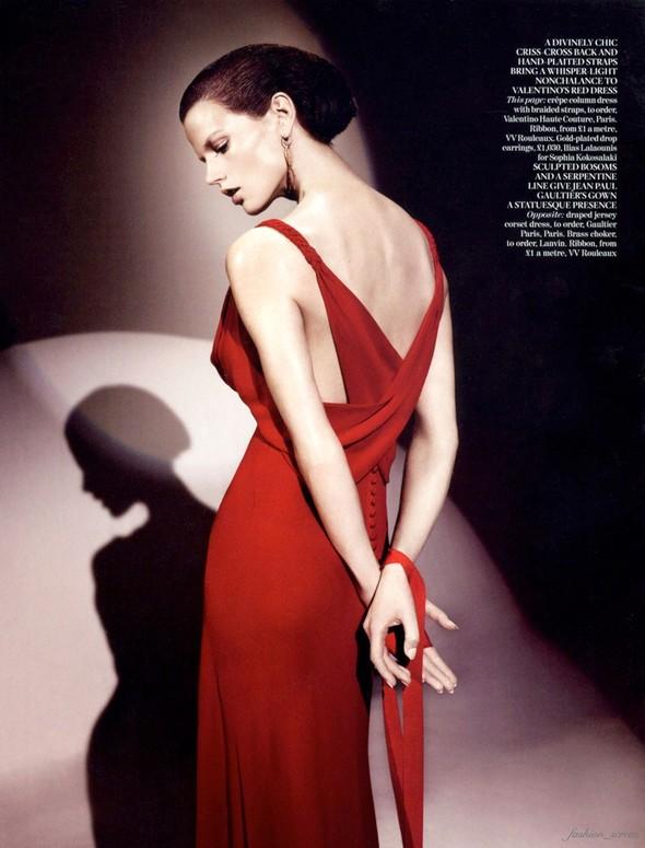 Съемка: Саския де Брау для британского Vogue. Изображение № 9.