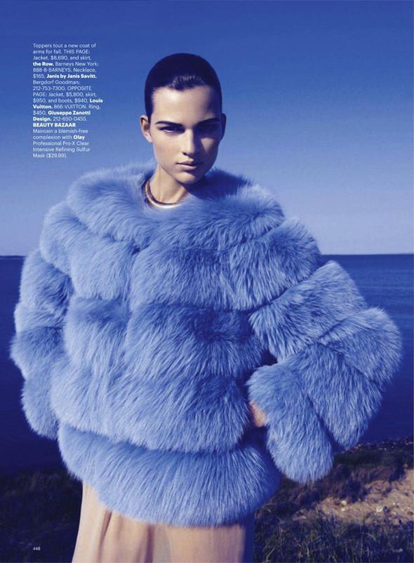 Съёмка: Бетте Франке для Harper's Bazaar. Изображение № 4.