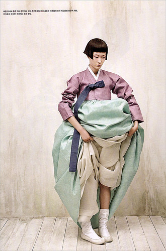 The Grace of the HanBok (Vogue Korea October 2007). Изображение № 9.