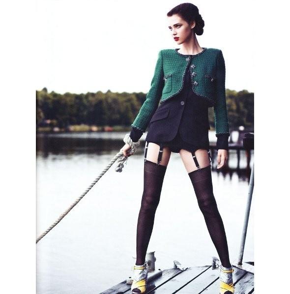 Съёмка: Анаис Пульо для немецкого Vogue. Изображение № 11.