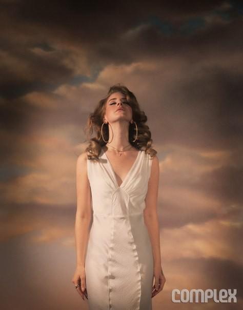 Сьемка: Лана дель Рей для Complex february/march 2012. Изображение № 5.