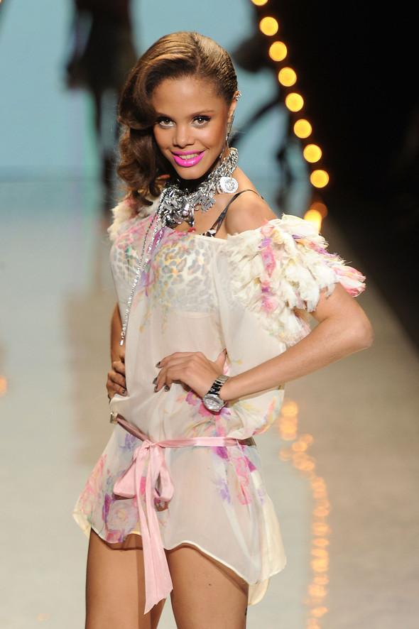 New York Fashion Week: Betsey Johnson Spring 2012. Изображение № 14.