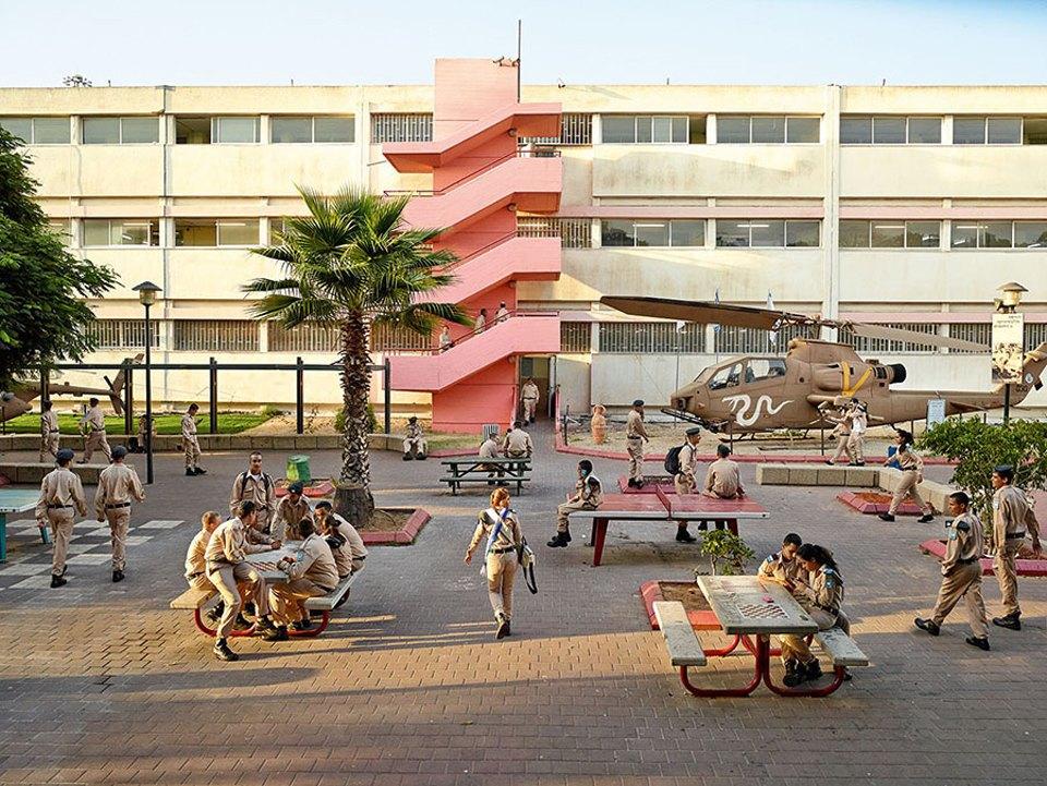 Фото: как выглядят детские площадки вразных странах мира . Изображение № 18.
