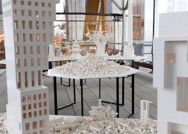 10 архитектурных бюро собрали модели зданий из белого LEGO. Изображение № 18.