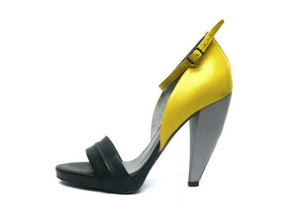 Walking in my shoes: 10 тенденций обуви весны-лета 2011. Изображение № 77.