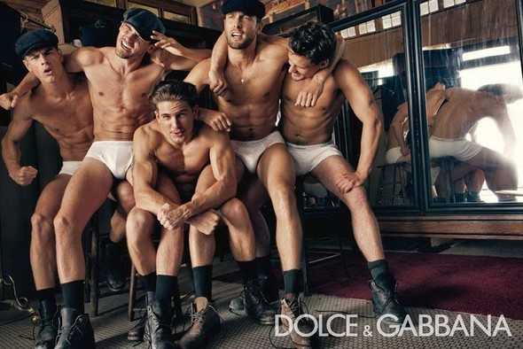 Dolce & Gabbana Fall 2010. Изображение № 2.