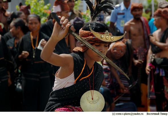 Украшения со смыслом, Восточный Тимор. Изображение № 1.