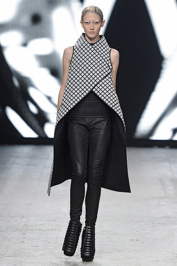 Показ: Gareth Pugh spring 2012 Ready-to-Wear. Изображение № 7.