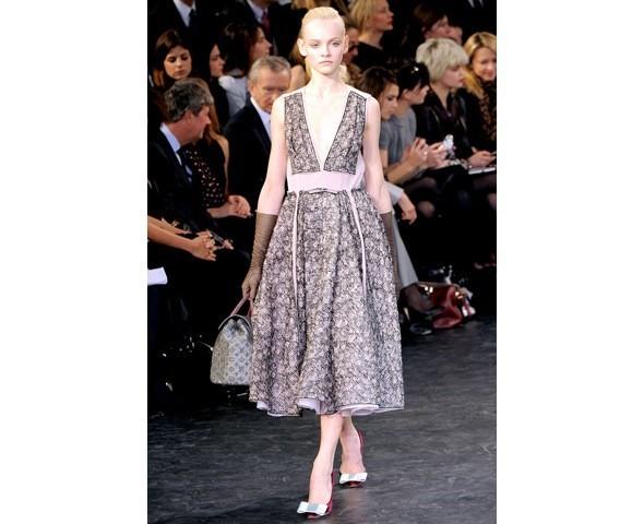 Можно все: Модели на показе Louis Vuitton. Изображение № 5.