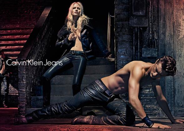 Рекламные кампании Calvin Klein Осень-Зима 2012. Изображение № 3.