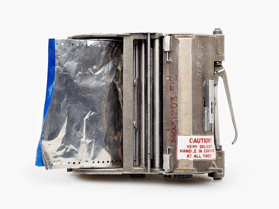 Фотографии «чёрныхящиков»  после авиакатастроф. Изображение № 13.