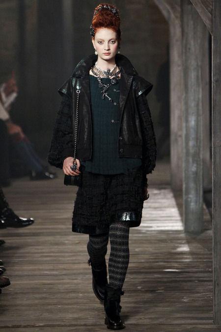 В Шотландии прошел предосенний показ Chanel. Изображение № 5.