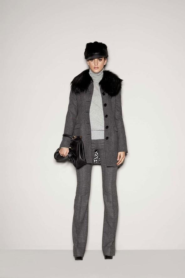 Лукбук: Dolce & Gabbana FW 2011 Women's. Изображение № 9.