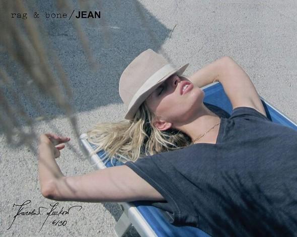 Кампания: Хелена Кристенсен сняла Каролину Куркову для Rag & Bone. Изображение № 6.