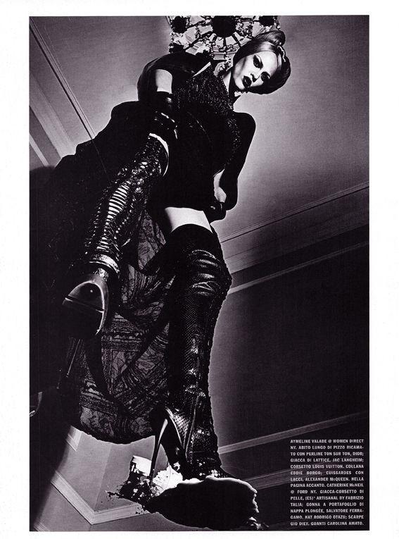 Съёмка: Стивен Кляйн для итальянского Vogue. Изображение № 3.