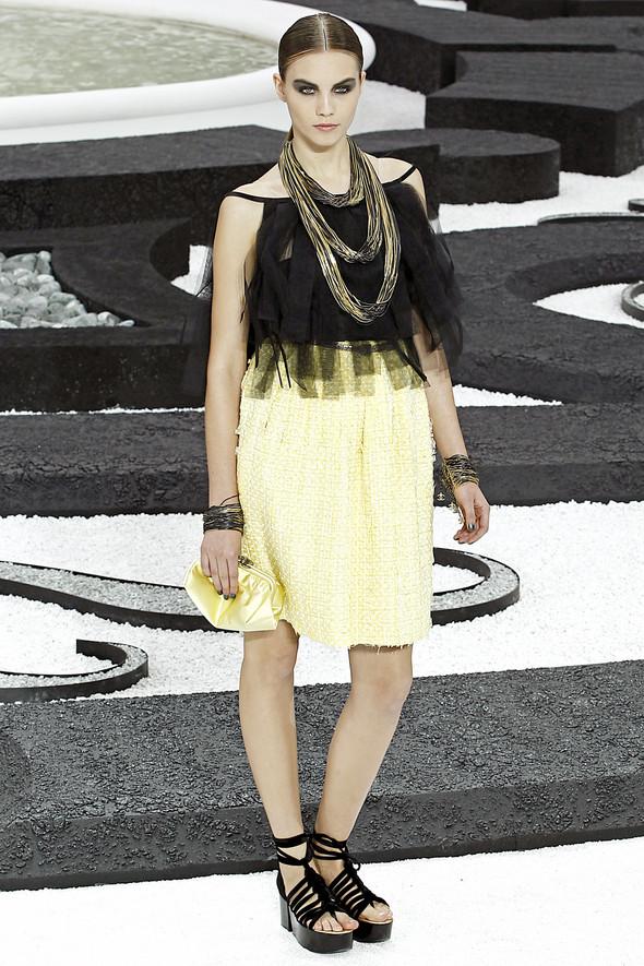 Карл Лагерфельд показал одну из самых красивых коллекций, когда-либо созданных для Chanel. Изображение № 15.