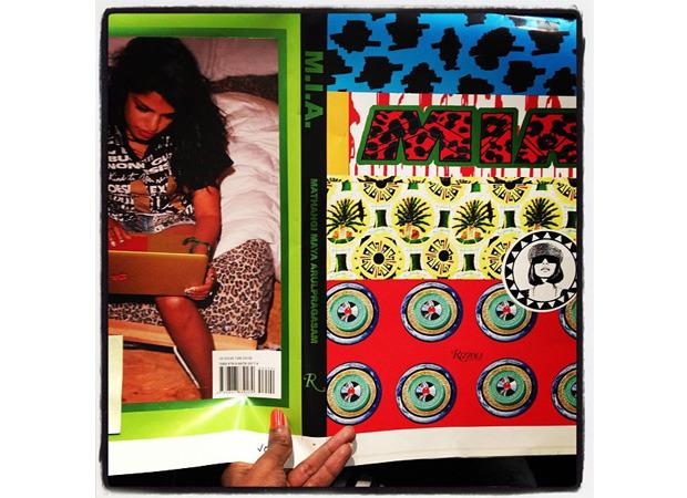 M.I.A. показала свою книгу в Instagram. Изображение № 1.