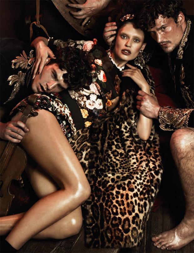 Вышли новые съемки Vogue, i-D, 10 и Interview. Изображение № 32.