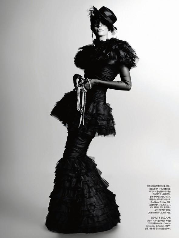 Съёмка: Карл Лагерфельд для Harper's Bazaar. Изображение № 4.
