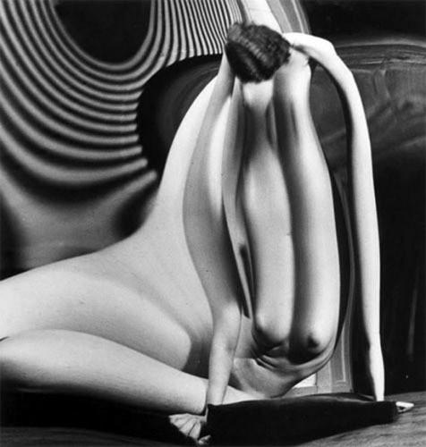 Части тела: Обнаженные женщины на винтажных фотографиях. Изображение № 82.