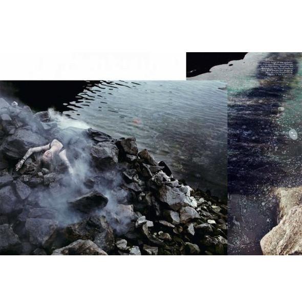 Съемка «Water & Oil» в итальянском Vogue. Изображение № 6.