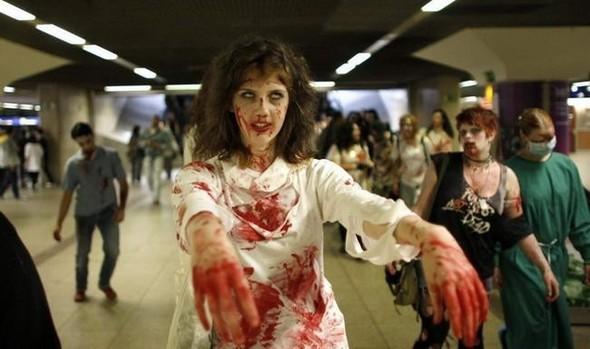 ВоФранкфурте прошел парад зомби. Изображение № 6.