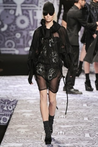Back to black : Gareth Pugh и Victor&Rolf aw 2010-2011. Изображение № 65.