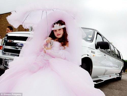 Изображение 4. Цыганские невесты и их свадебные платья.. Изображение № 7.