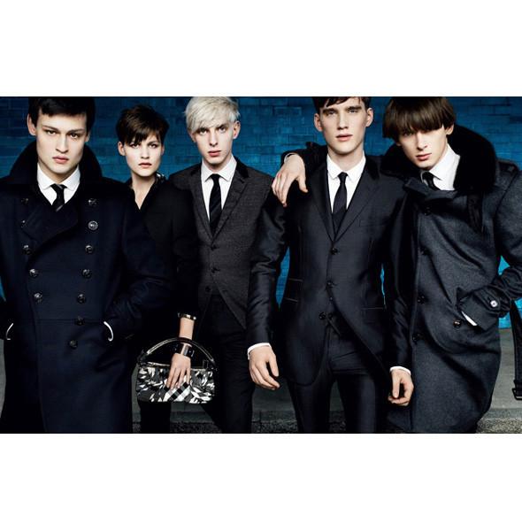 Рекламные кампании: Burberry, Louis Vuitton, Tom Ford. Изображение № 4.