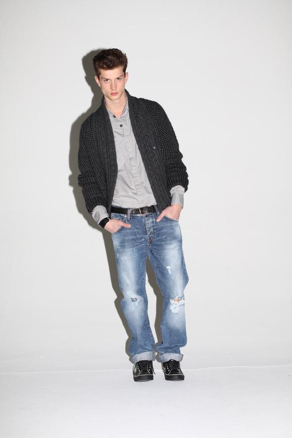 2 Men Jeans, Two Women In The World – идеальная пара найдена. Изображение № 28.