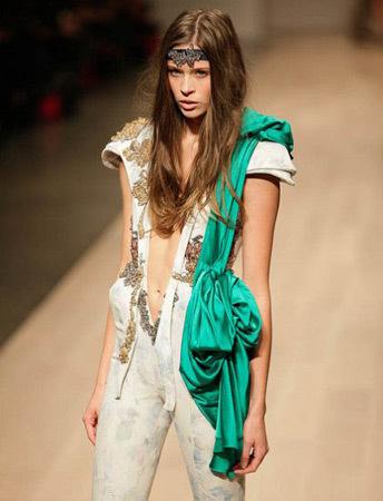 Toronto Fashion Week Mikhael Kale SS 2011. Изображение № 50.