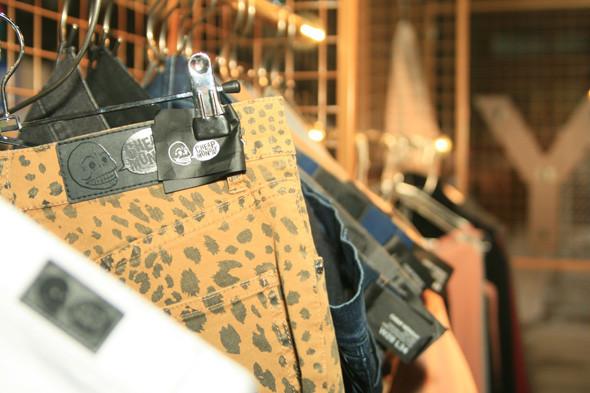 Леопардовые джинсы из последней коллекции Cheap Monday. Изображение №2.