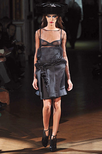 Неделя моды в Париже: Haute Couture. Изображение № 51.