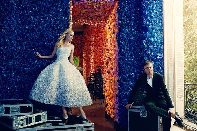 Диана Крюгер в платье из дебютной кутюрной коллекции Рафа Симонса для Dior. Изображение № 1.