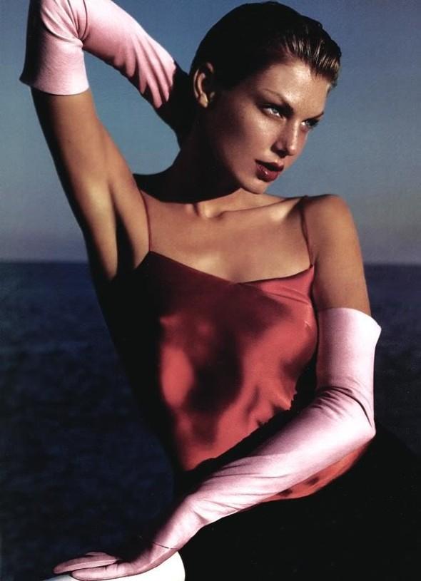 Архивная съёмка: Мерт и Маркус для Vogue, 2005. Изображение № 2.