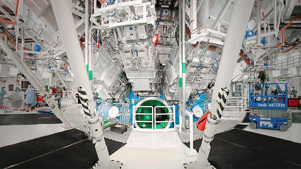 Как выглядит комплекс с самыми мощными лазерами в мире. Изображение № 11.