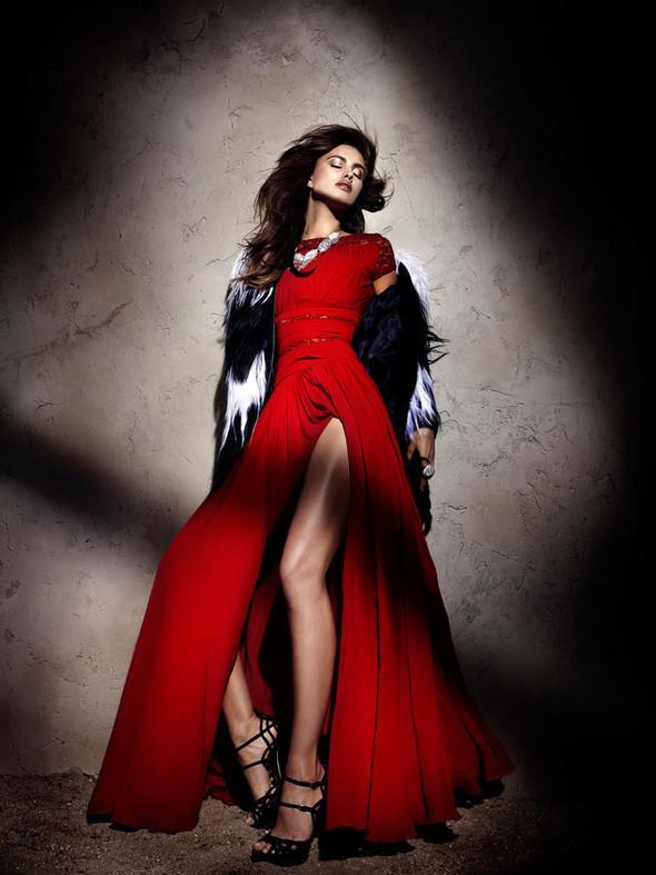 Съемка: Ирина Шейк для Elle Испания. Изображение № 2.