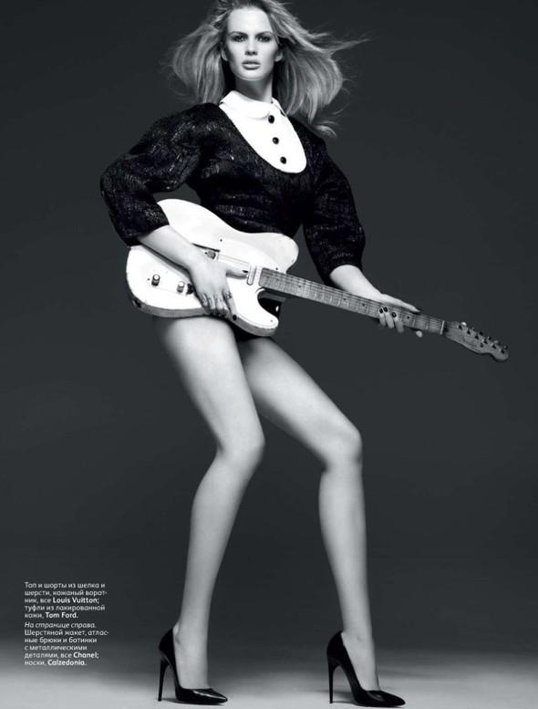 Съёмка: Анна Вялицына и Адам Ливайн для российского Vogue. Изображение № 3.