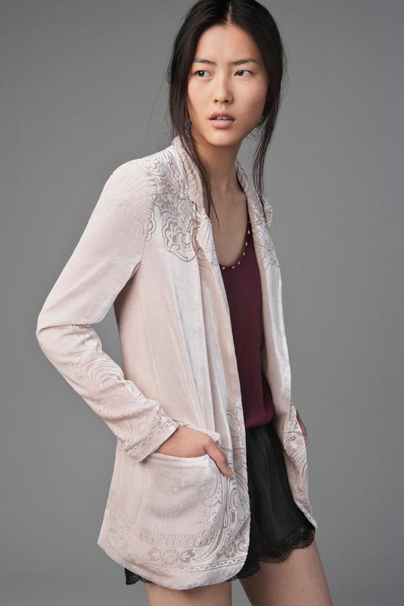 Лукбуки: H&M, Zara, Urban Outfitters и другие. Изображение №161.