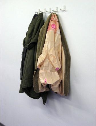 Одежда из надувных кукол. Изображение № 9.