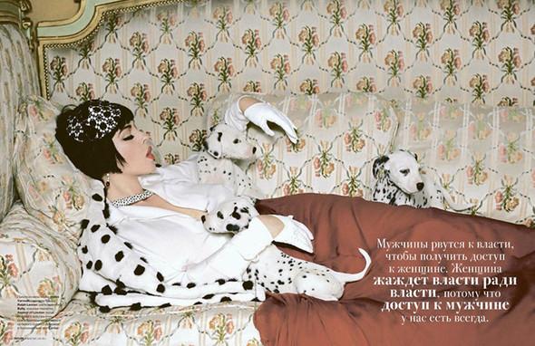 Моника Беллуччи (Monica Bellucci) в декабрьском Tatler Russia. Изображение № 1.