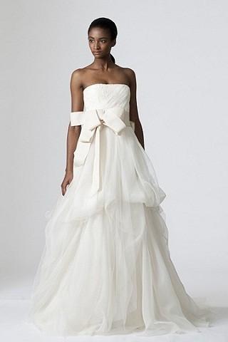 """""""Выбираем свадебное платье!"""" 93 идеи ведущих дизайнеров. Изображение № 34."""