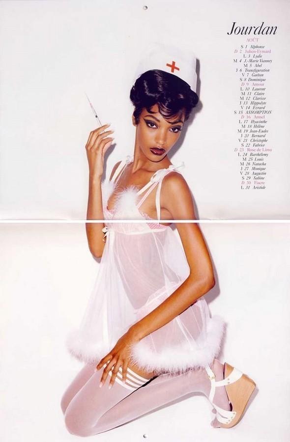 Vogue Paris 2008-2009-2010 Calendar. Изображение № 22.