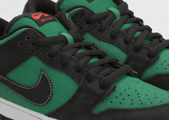 Nike SB Dunk Low Premium Pine Green Woodgrain. Изображение № 1.