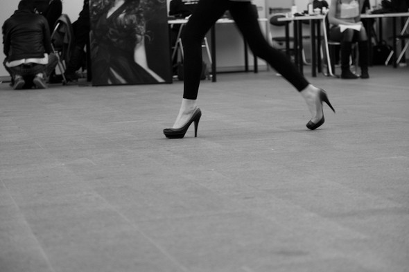 Изображение 8. За кулисами своего показа Мария Рыбальченко предсказала будущее, окунулась в прошлое, живя настоящим.. Изображение № 8.