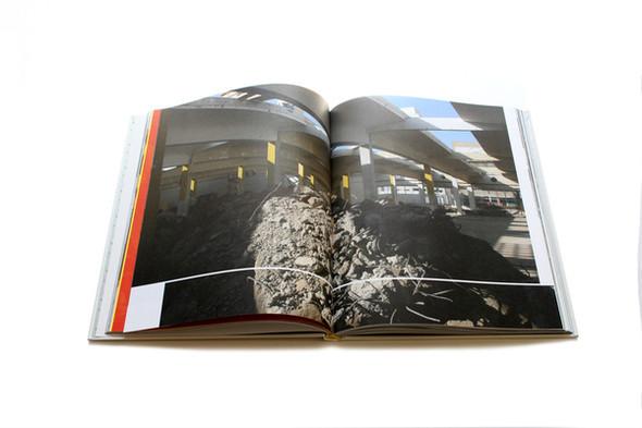 Бумажные мячи и книга, дающая огонь. Изображение № 12.